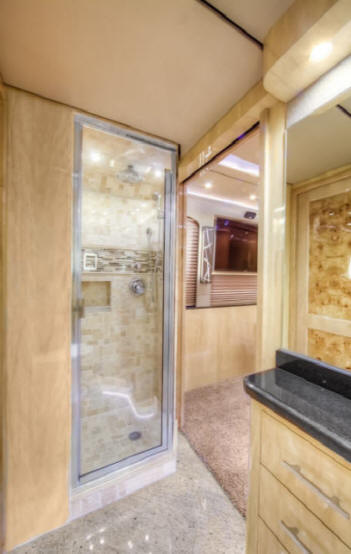2013 Prevost X3 Star Bus / Motor Home