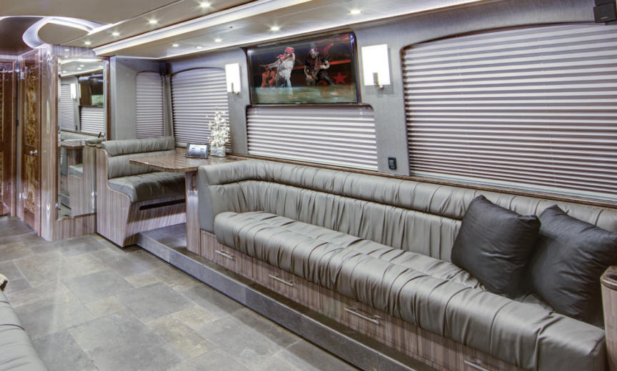 front lounge of prevost