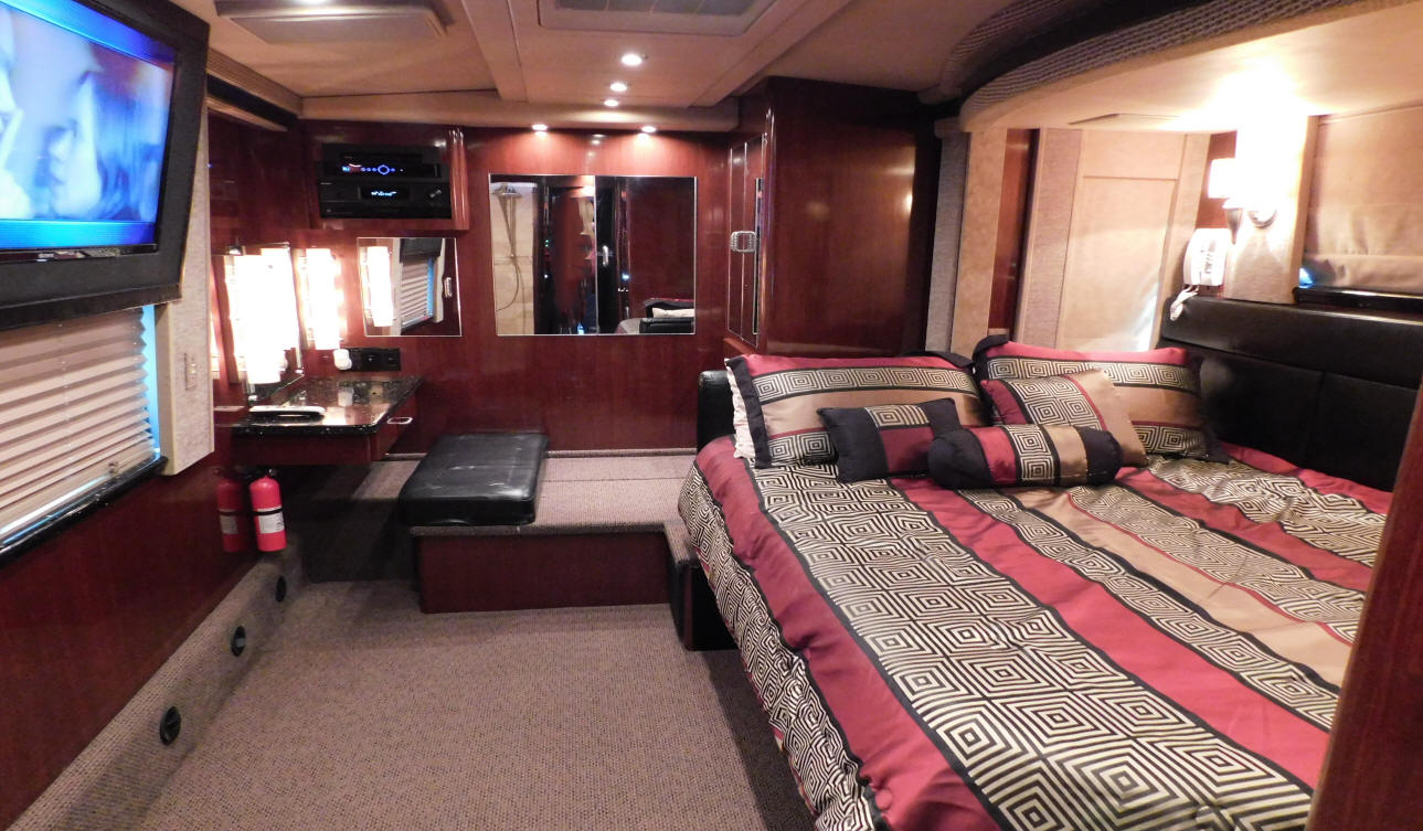 2006 Prevost XLII Star Coach # 49243 with duel slide outs that is For Sale at Staley Bus Sales in Nshville, Tennessee.