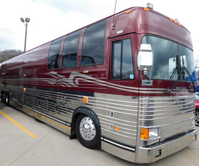 1996 Prevost LeMirage XL Entertainer Bus # 49247 For Sale at Staley Bus Sales in Nashville, Tennessee.