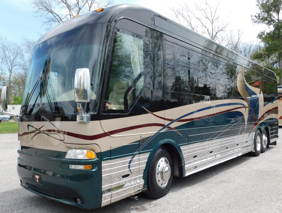 2003 42Ft. Country Coach Motorhome # 49251 For Sale at Staley Bus Sales / Staley Coach in Nashville, Tennessee.