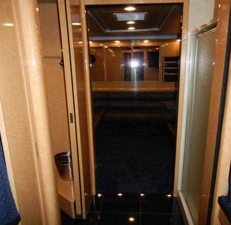 2006 Prevost Entertainer Bus # 49252 For Sale at Staley Bus Sales in Nashville, Tennessee