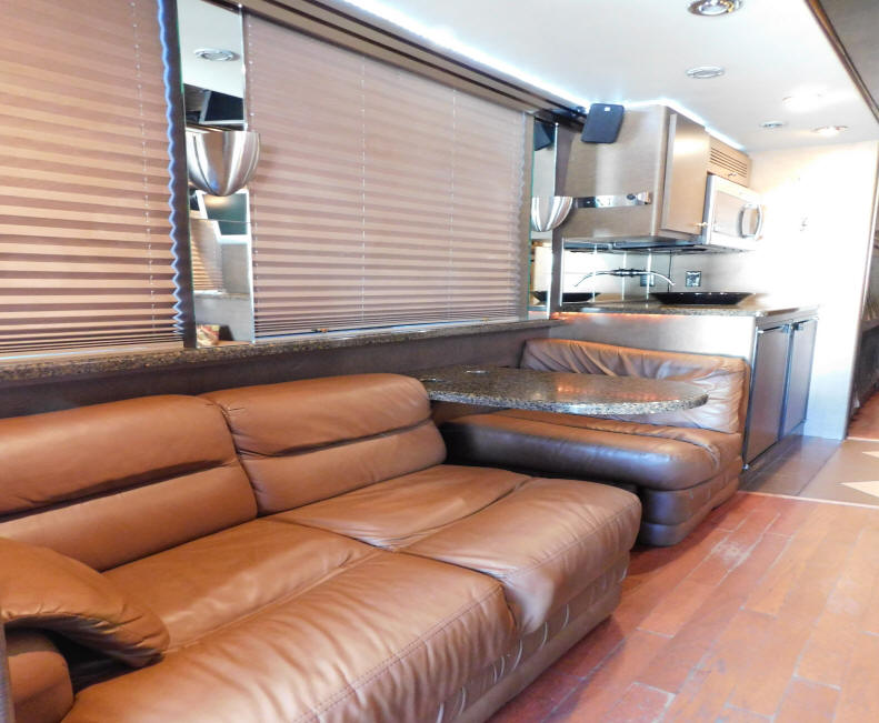 2004 Prevosr Entertainer BUs # 49291 For Sale at Staley Bus Sales in Nashville, Tennessee
