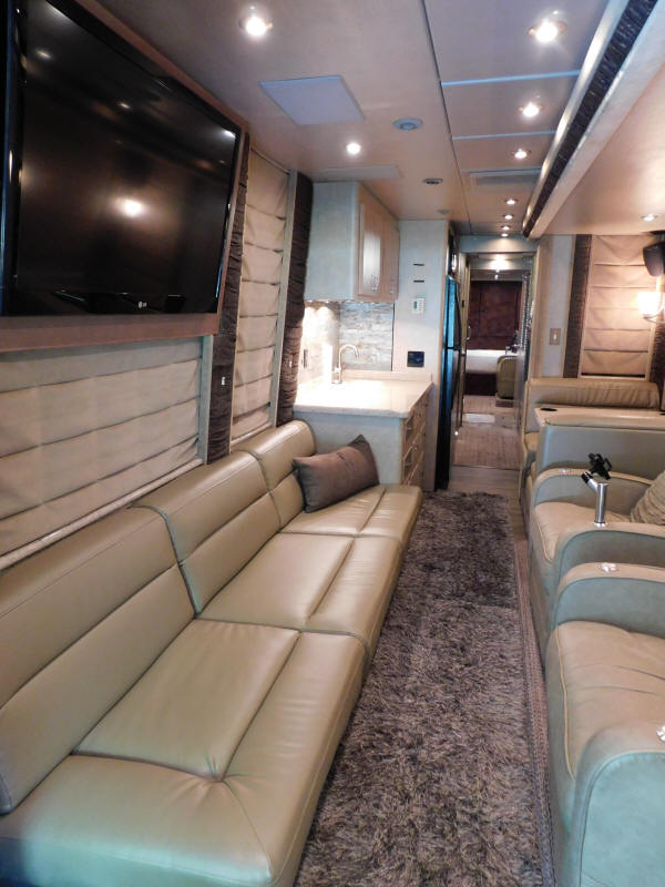 2005 Prevost XLII Front Slide Star Coach For Sale at Staley Bus Sales / Staley Coach , Nashville, Tennessee