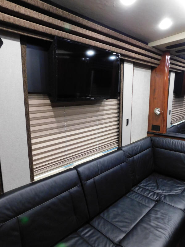 2008 Prevost XLII Front Slide Entertainer Bus # 49373 For Sale at Staley Bus Sales, Nashville, Tennessee.
