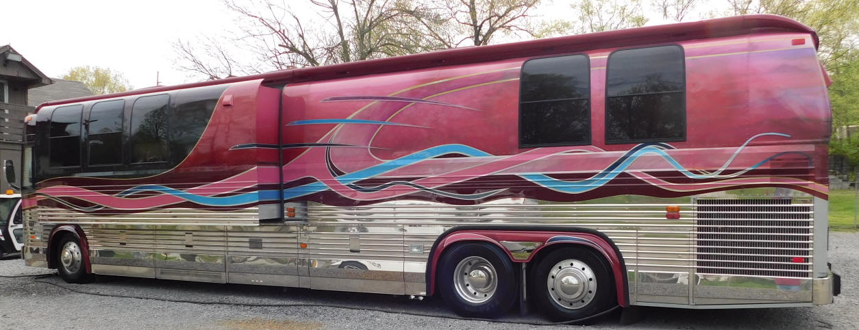 1998 Prevost LeMirage Front Slide Angola Motorhome #49386  For Sale at Staley Coach, Nashville, Tennessee