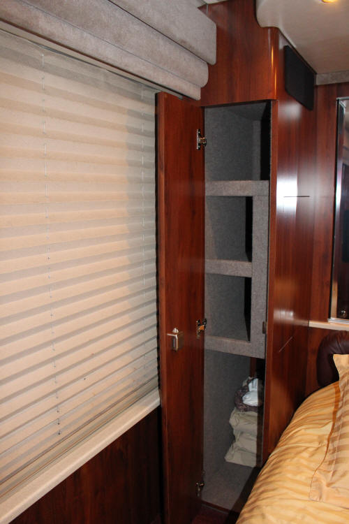 2003 Prevost XLII Star Bus/Motorhome # 39319 For Sale at Staley Bus Sales, Nashville, Tennessee.