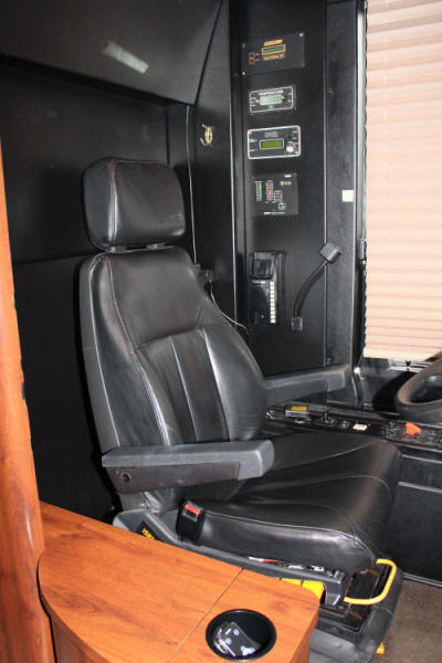 2002 Prevost XLII Executive / VIP Coach # 49332 For Sale at Staley Coach, Nashville, Tennessee