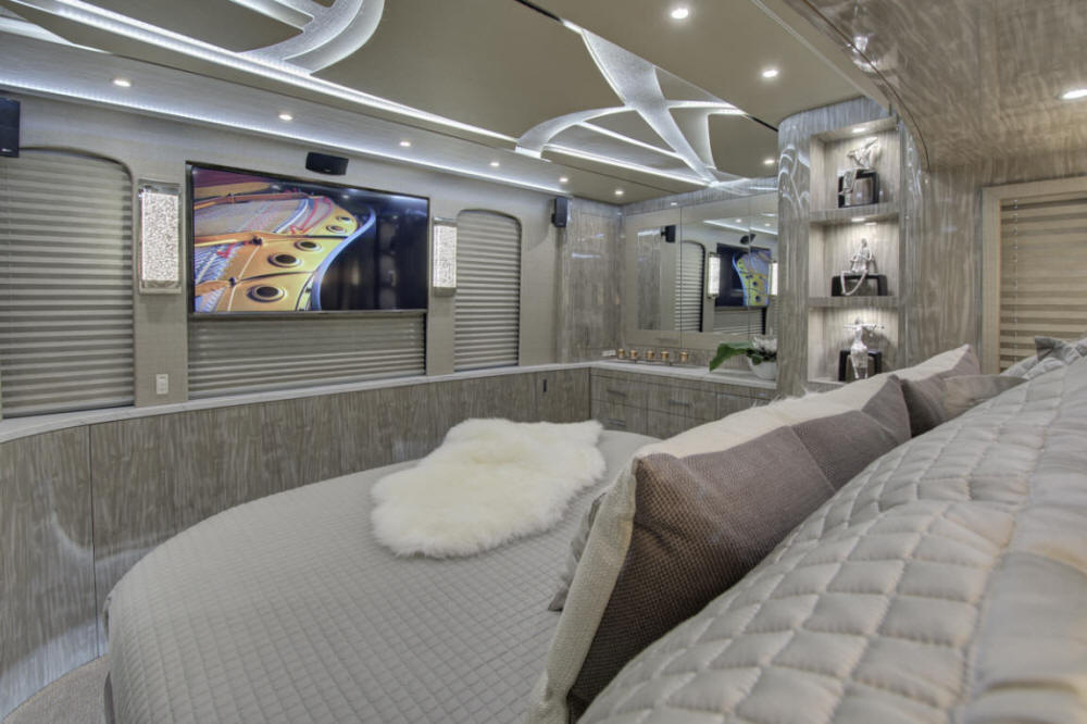 2019 X3-45 Prevost Star Coach / Motorhome For Sale at Staley Coach in Nashville, Tennessee