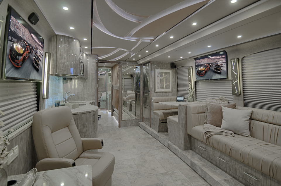 front salon in a prevost star bus